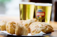Cupom de desconto - 29% OFF em Porção de Pasteis de Camarão com 2 Chopes
