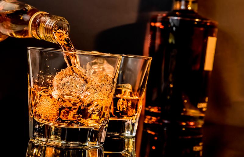 Cupom de desconto - 57% OFF em Clube Whisky Black White